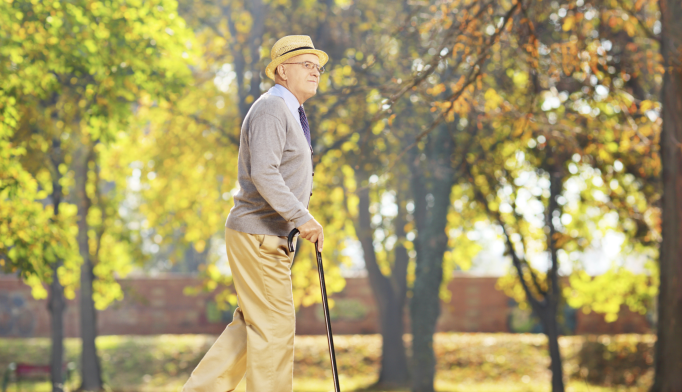 Slower Walking Speed May Indicate Higher Dementia Risk