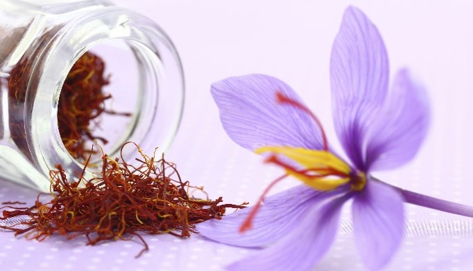 The antioxidants in saffron can help alleviate the symptoms of depression and dementia.