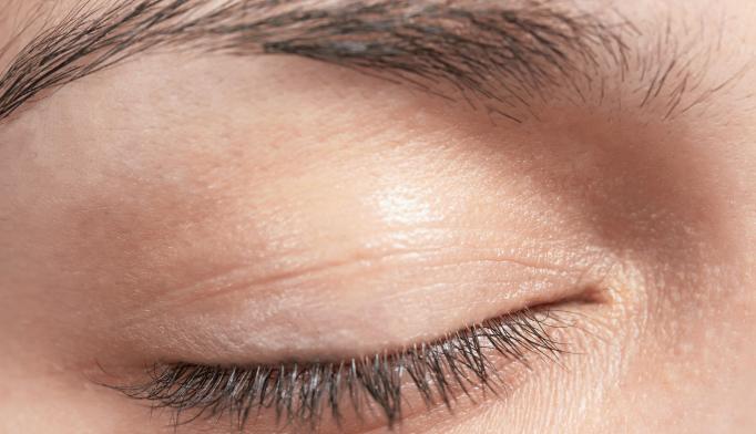 Keeping Eyes Shut May Help Eyewitnesses Recall Memories