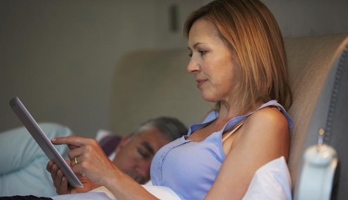 Tablets, E-Readers May Hamper Sleep