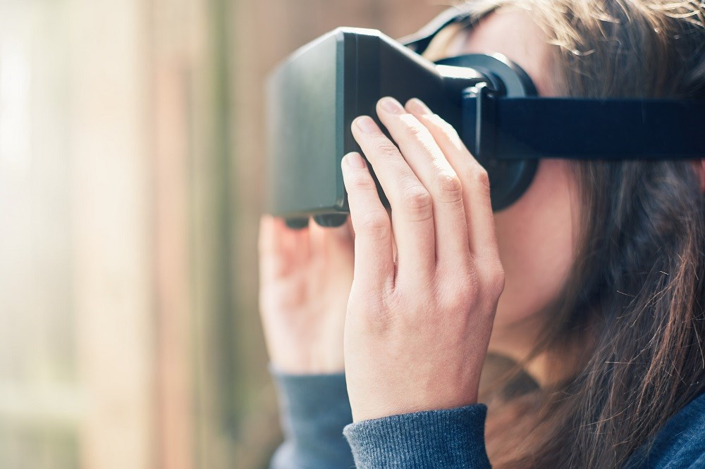 Preliminary Virtual Reality Therapy Trial for Agoraphobia Shows Promise