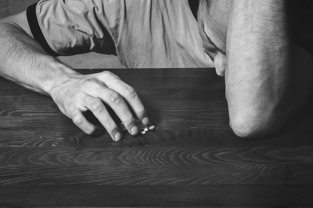 Suicidal Behavior Increased With Opioids, Psychotropic Medication Misuse in Epilepsy