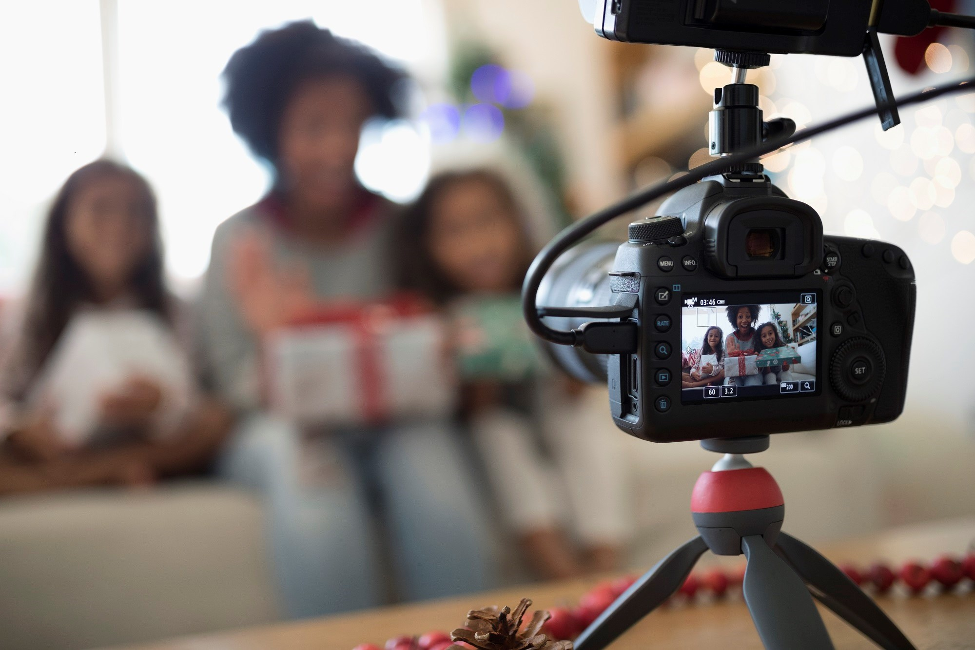 The current study aims to test the effectiveness of a video-feedback intervention in increasing caregiver sensitivity to foster children.