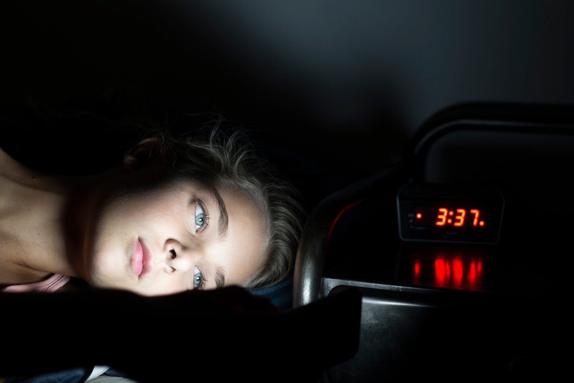 Sleep Problems Influence Peer Victimization Outcomes in Older Adolescent Girls