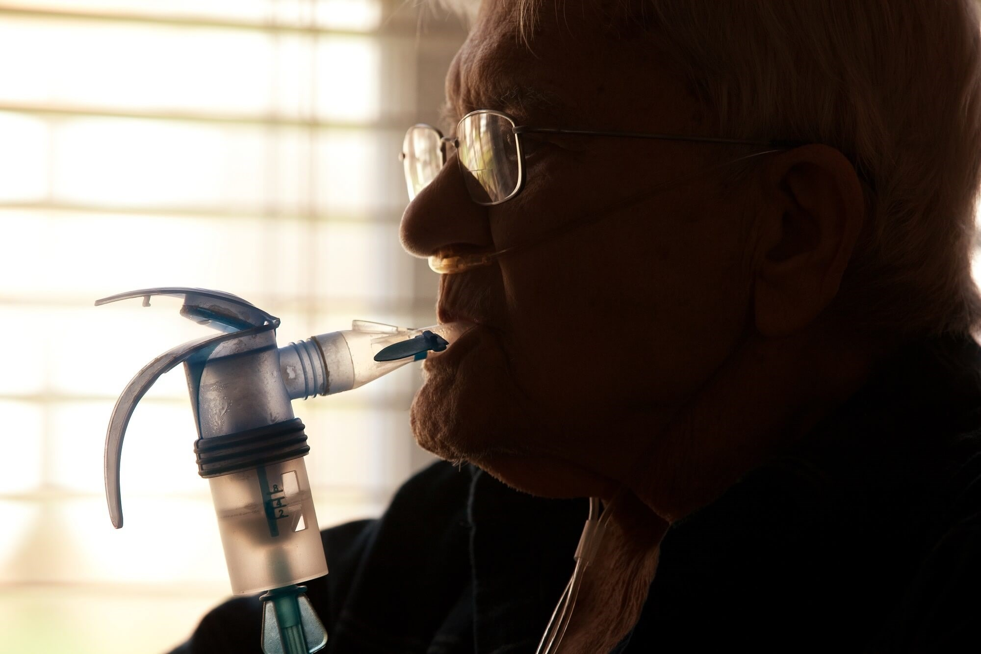 CBT delivered by respiratory nurses is associated with reduced anxiety symptoms and is cost-effective for patients with COPD.