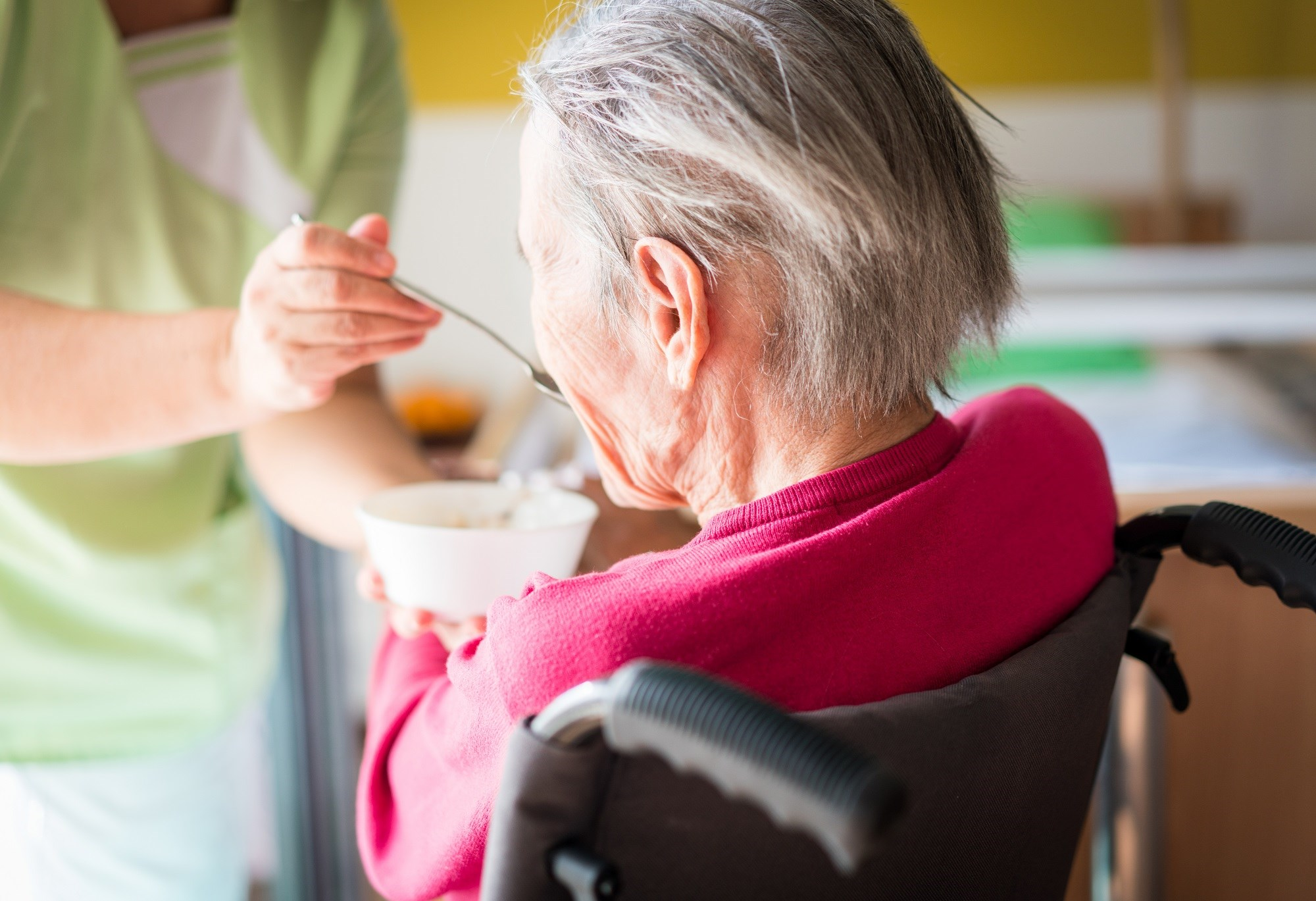 Physical frailty may exacerbate the behavioral and psychological symptoms of dementia (BSPD) in patients with Alzheimer disease, and also increase caregiver burden.